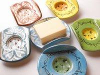 サフィ製陶器の石けん皿